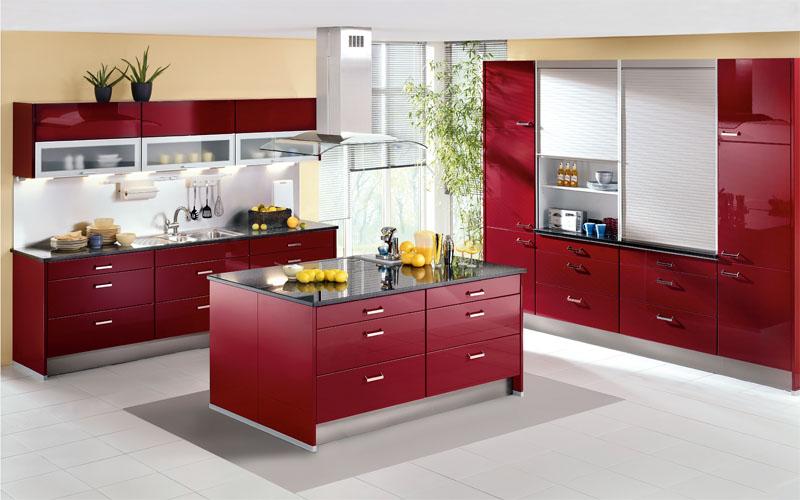 المطبخ يحتوي علي لونين لون ابيض ولون احمر ويحتوي علي رخامه سوداء فاخمه ويتميز المطبخ بالرقه والوانه الجميله العصير التي تناسب جميع الازواق
