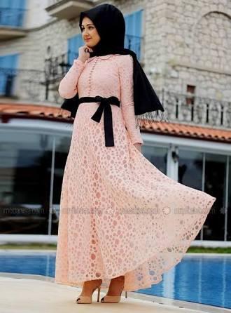 الفستان التاسع عشر