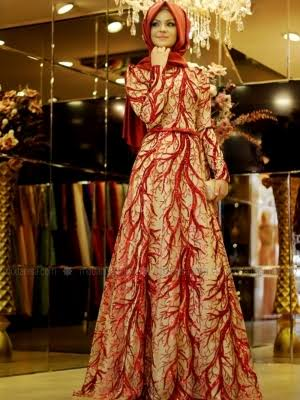 الفستان الثالث