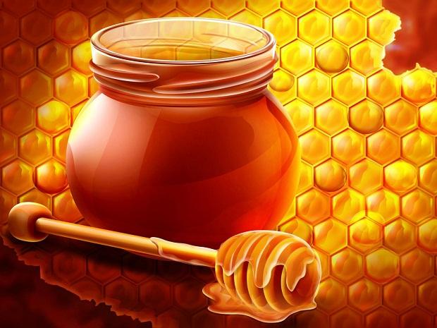 فوائد تناول العسل النحل على الريق