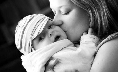 تفسير رؤية الأم في المنام