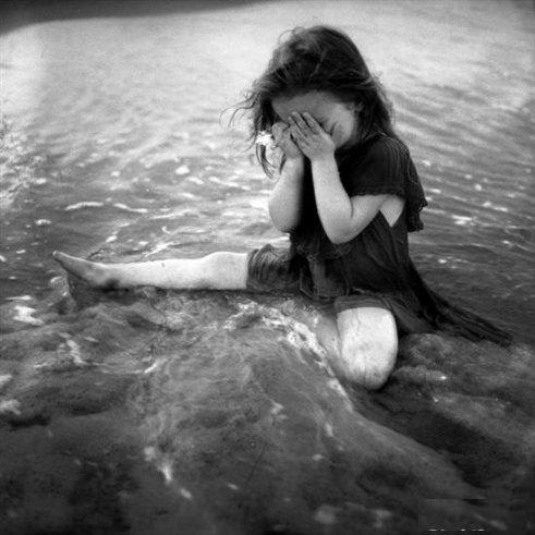 صور رومانسية حزينة - صور بكاء الحب 2017