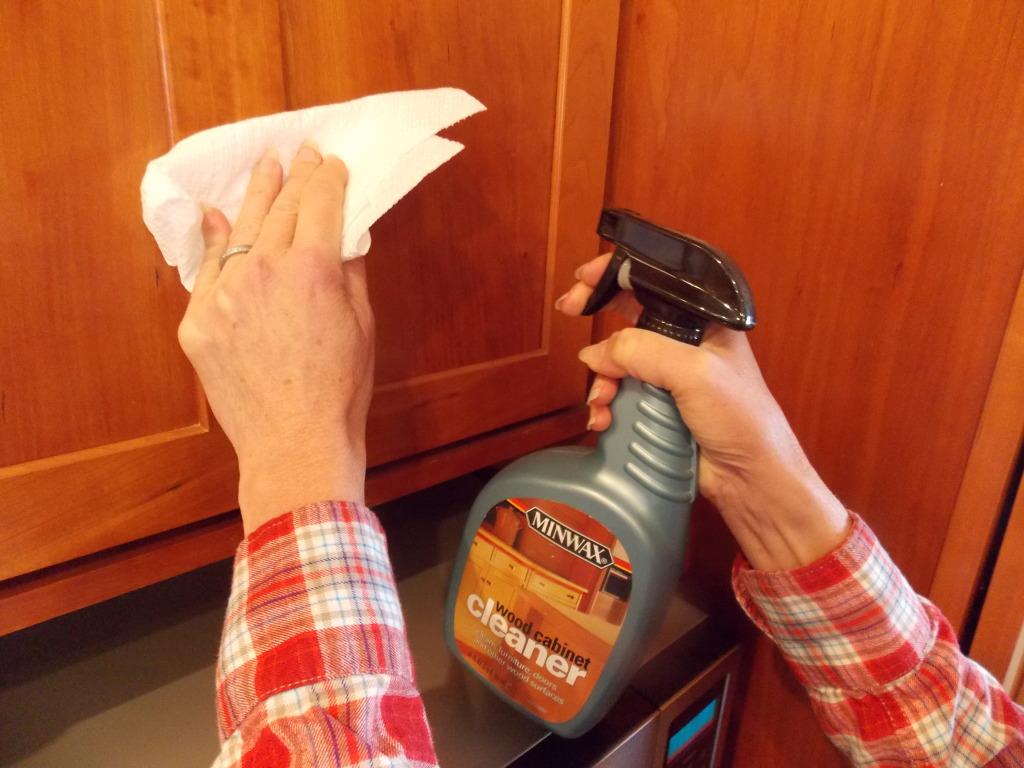 كيف انظف الخشب