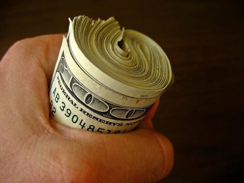 spending-money-thecabinarabic