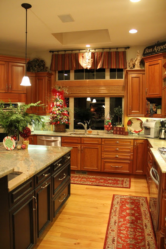 المطبخ مصنوع من الخشب الطبيعي والاوان الكلاسكيه والهادئه وموديل المطبخ فاخر وكلاسيكي قديم لكنه يناسب جميع العصور والازواق ويناسب الشقق والفيلات لانه جميل وهادئ وعملي لاي احد