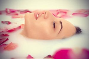benefits-of-rose-oil-for-hair