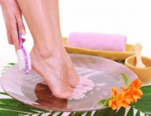 Methods of cleaning feet