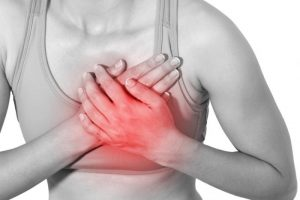 woman-with-breast-pain
