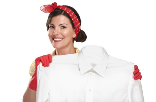 طريقة تنظيف الملابس البيضاء يدويا